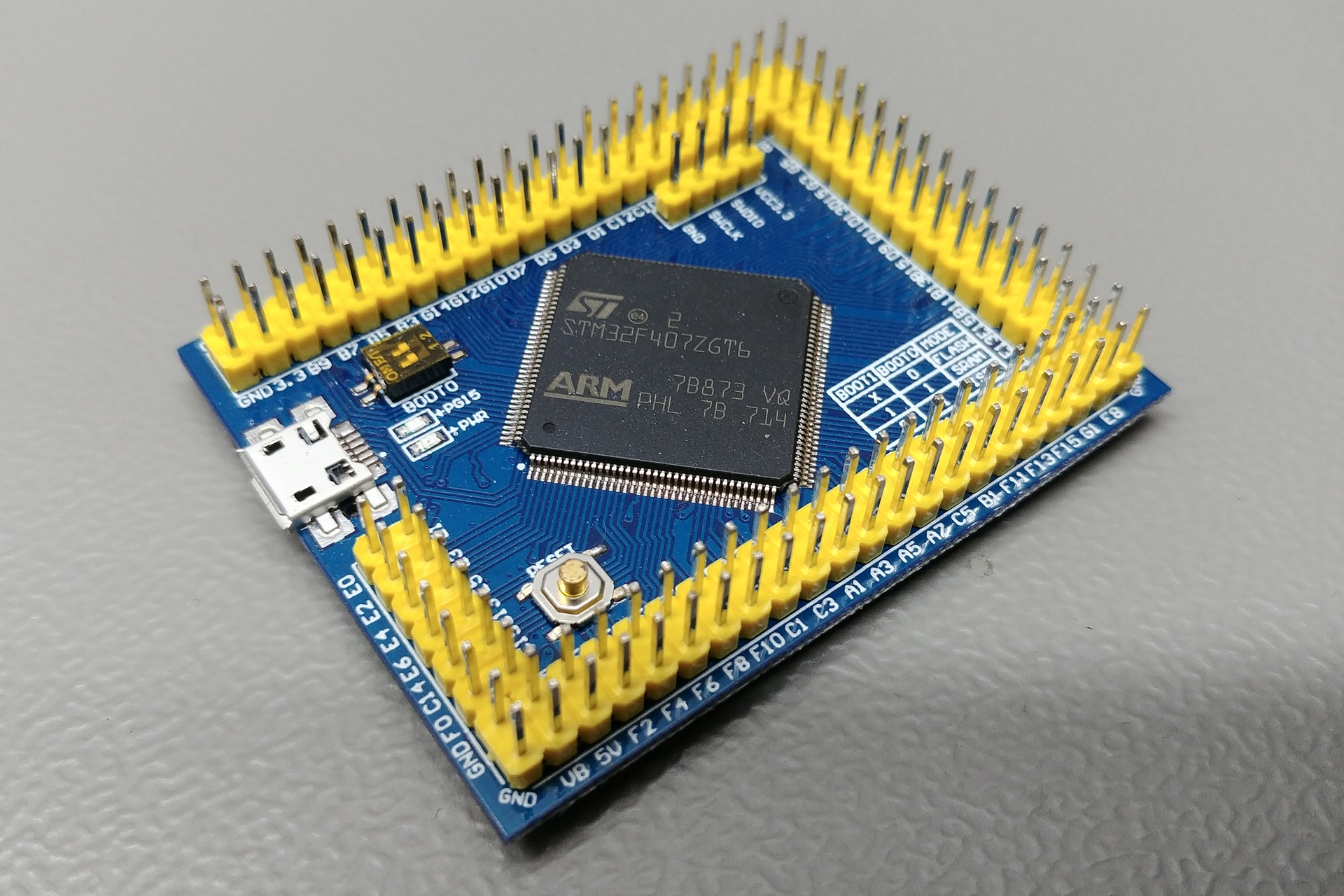 Picture of the vcc-gnd.com STM32F407ZGT6 mini